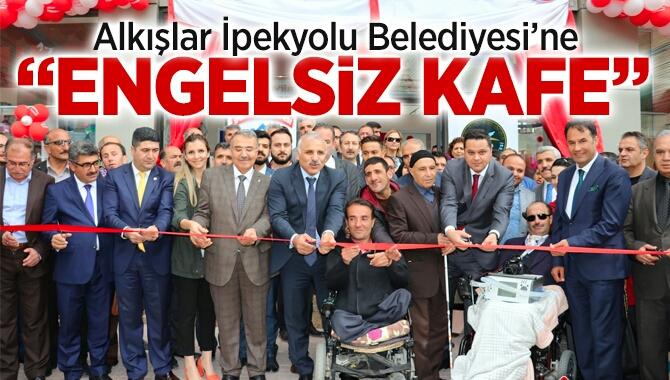 """VAN'DA """"ENGELSİZ KAFE"""" AÇILIŞI YAPILDI"""