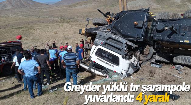Greyder yüklü tır şarampole yuvarlandı: 4 yaralı