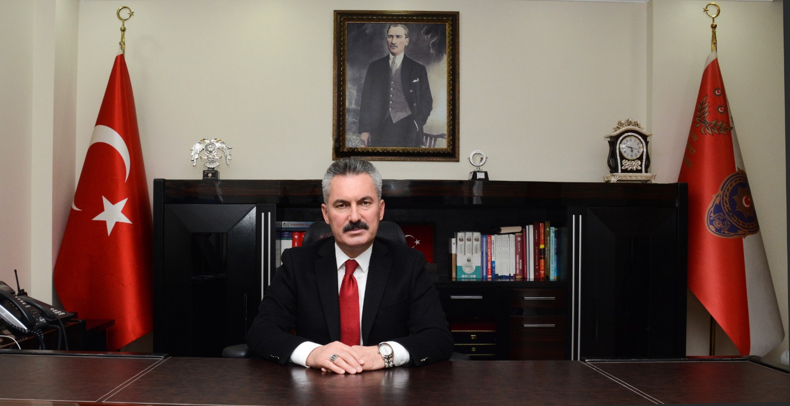 Müdür Karabağ'dan gazeteciler günü mesajı